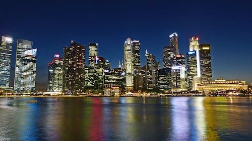 反射, 城市, 城市的燈光, 天際線 的 免费素材照片