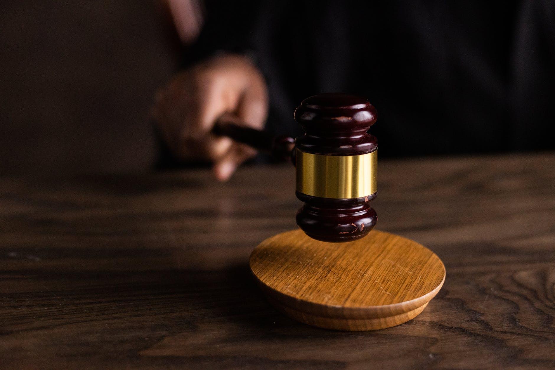Hukum asuransi direvisi menyesuaikan perkembangan asuransi dengan menambahkan aturan asuransi syariah