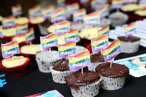 Gratis lagerfoto af cupcakes, mangfoldighed, regnbuens farver