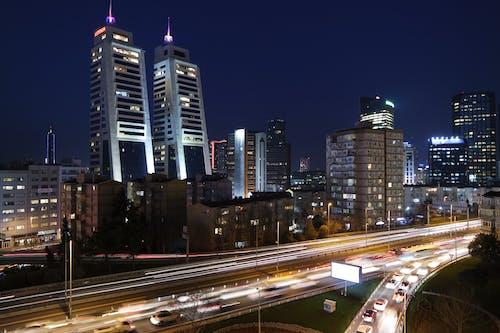 Fotos de stock gratuitas de arquitectura, autopista, ciudad, coches