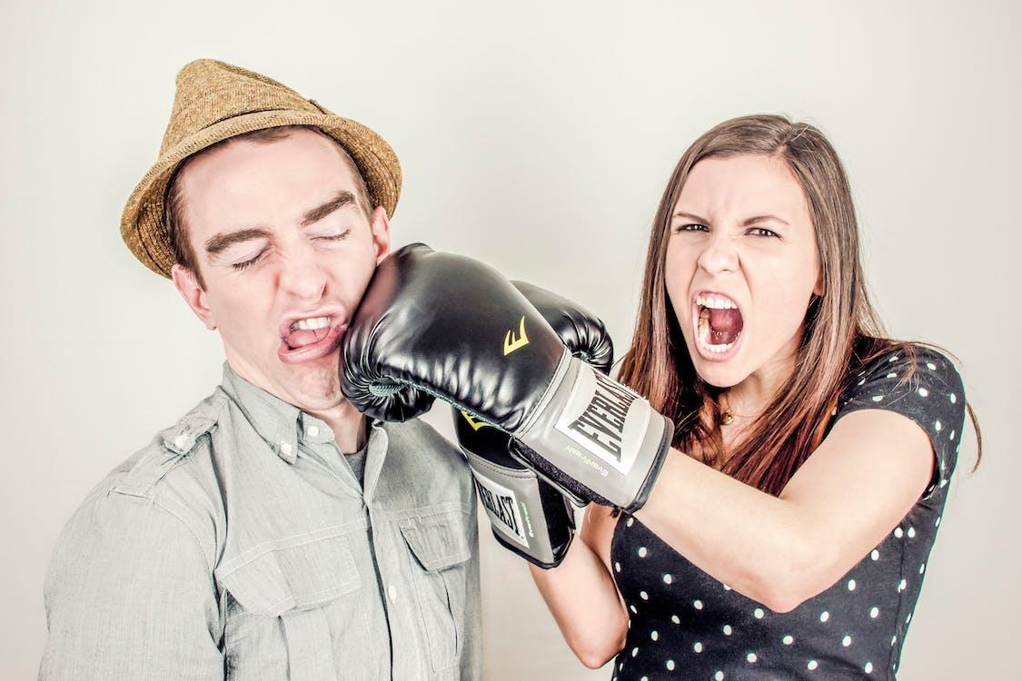 しつこい男の実態とは? 女性にしつこい男の心理・行動の特徴5つと対処法13選!