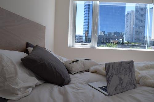 Ingyenes stockfotó ágy, ágynemű, alma, apple témában