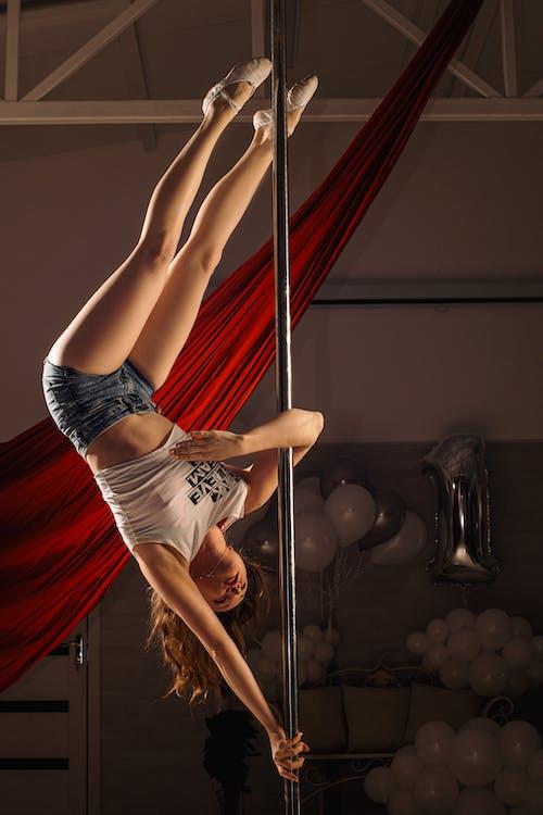 คลังภาพถ่ายฟรี ของ กระดูก, กางเกงใน, การเต้นรำ