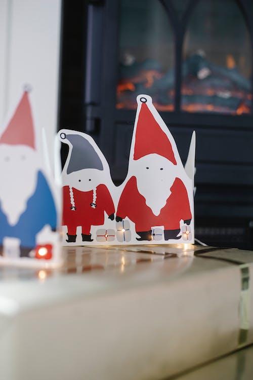Santa Claus figures for Christmas decoration
