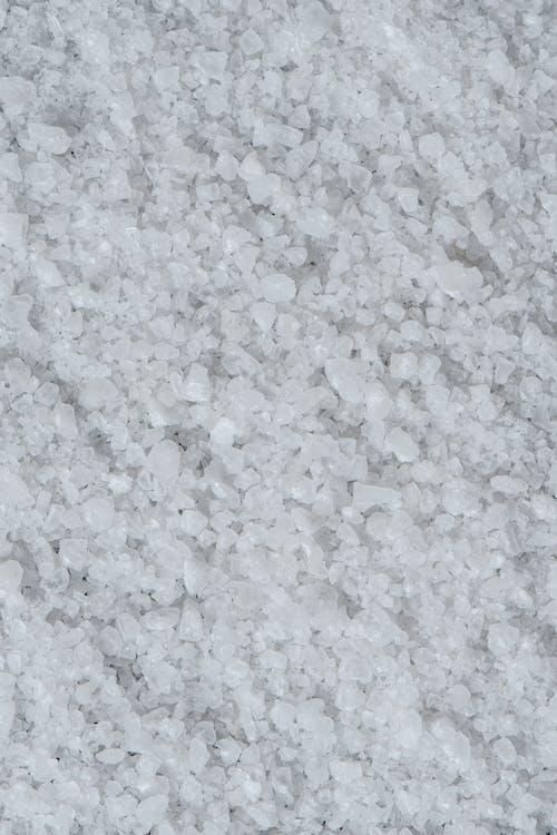 白とグレーの大理石の床