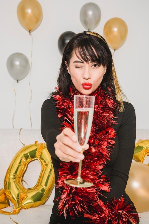 Darmowe zdjęcie z galerii z alkohol, balon, beztroski
