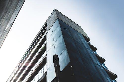 Foto d'estoc gratuïta de acer, arquitectura, cel, centre de la ciutat