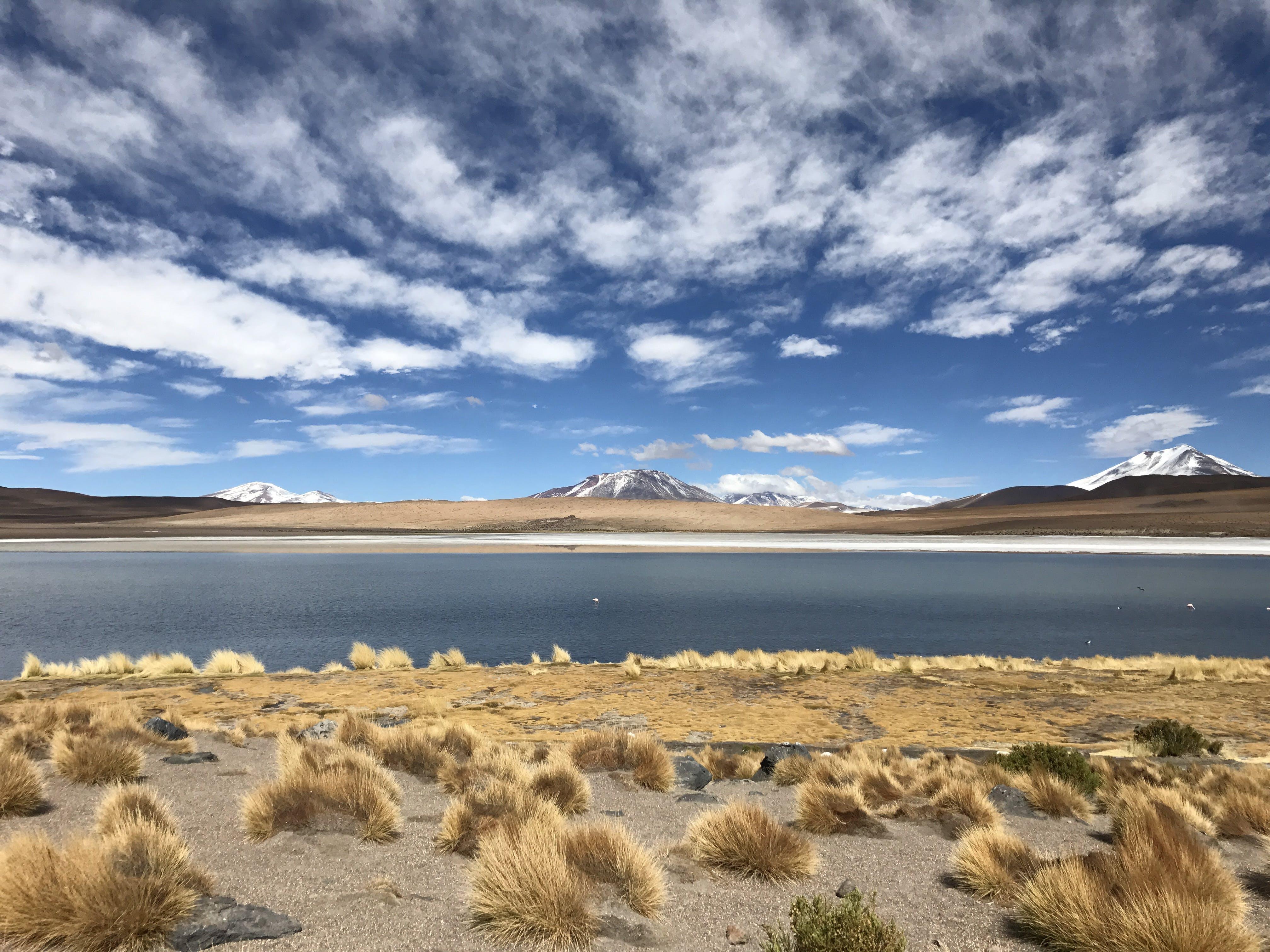 Безкоштовне стокове фото на тему «вода, гора, Денне світло, краєвид»