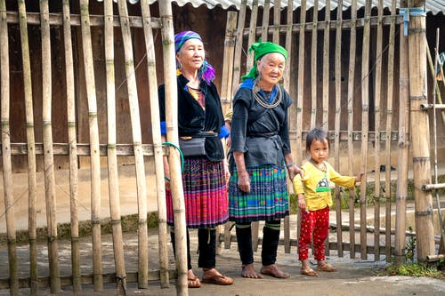 Бесплатное стоковое фото с архитектура, бабушка, бедный