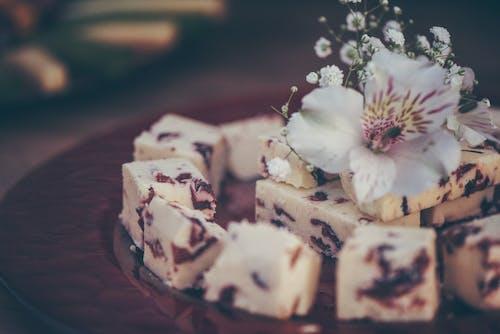 Gratis stockfoto met bloem, bord, bruiloft, cake