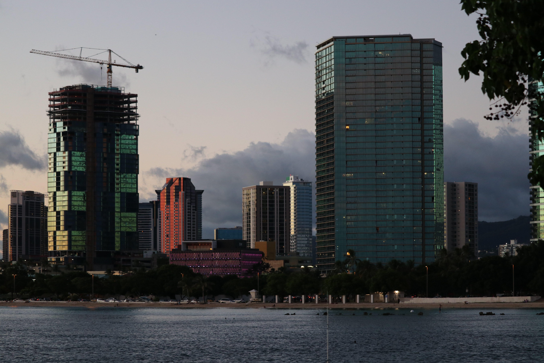 Free stock photo of skyline, construction, hawaii