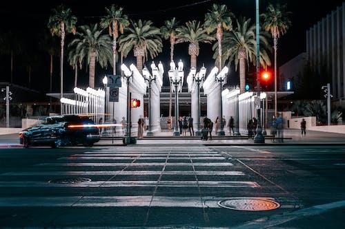 Foto profissional grátis de ao ar livre, arquitetura, automóvel