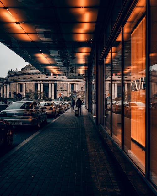 Kostenloses Stock Foto zu architektur, bahnhof, bus