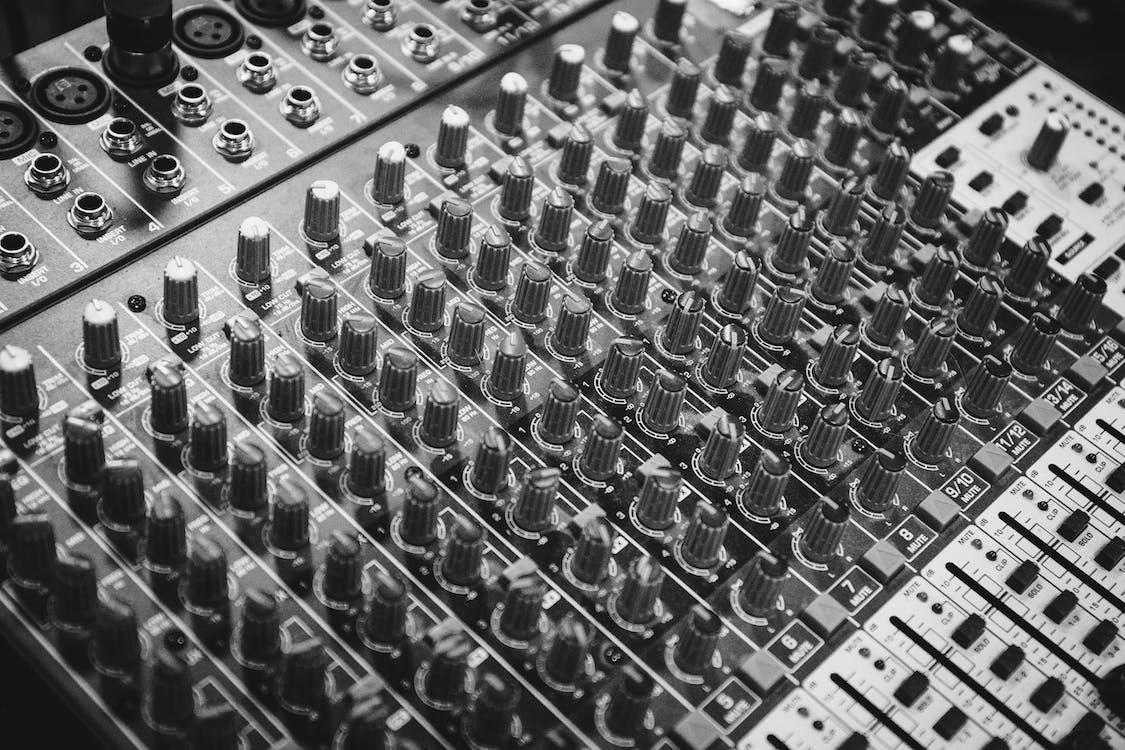 ajustando, áudio, botões