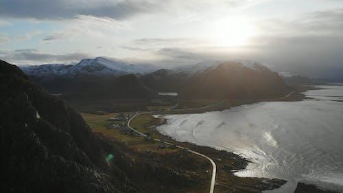 Foto profissional grátis de aldeia de montanha, área de montanha, aventura