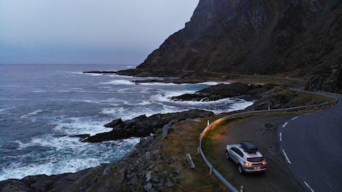 Foto profissional grátis de área de montanha, automóvel, aventura