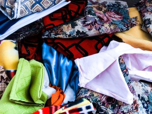 Бесплатное стоковое фото с differentes telas, ropa, telas, textura