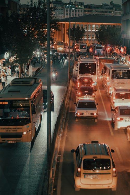 Безкоштовне стокове фото на тему «автомобілі, автомобільний, вертикальні постріл»