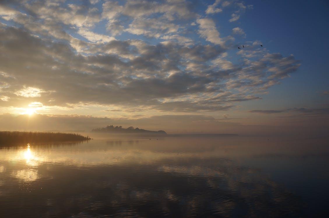 Free stock photo of cloud reflections, sunrise