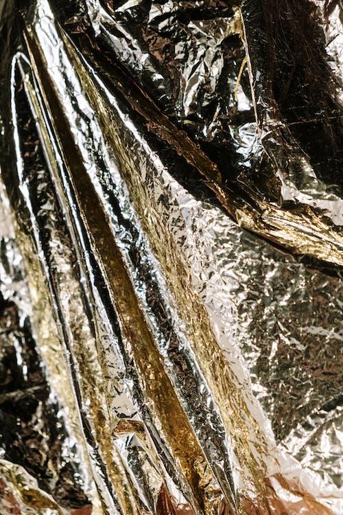 Brauner Und Weißer Holzzaun