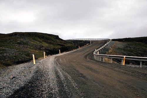 Fotos de stock gratuitas de autopista, camino de tierra, carretera, cerca