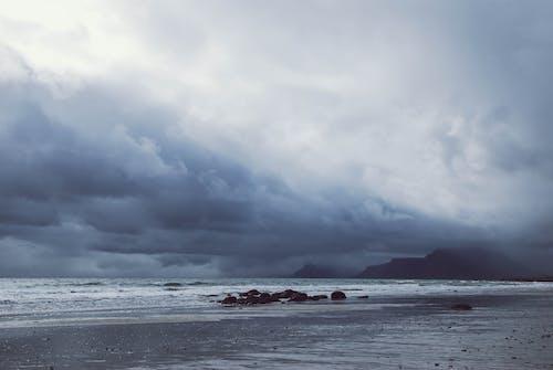 Kostenloses Stock Foto zu dämmerung, draußen, felsen, himmel