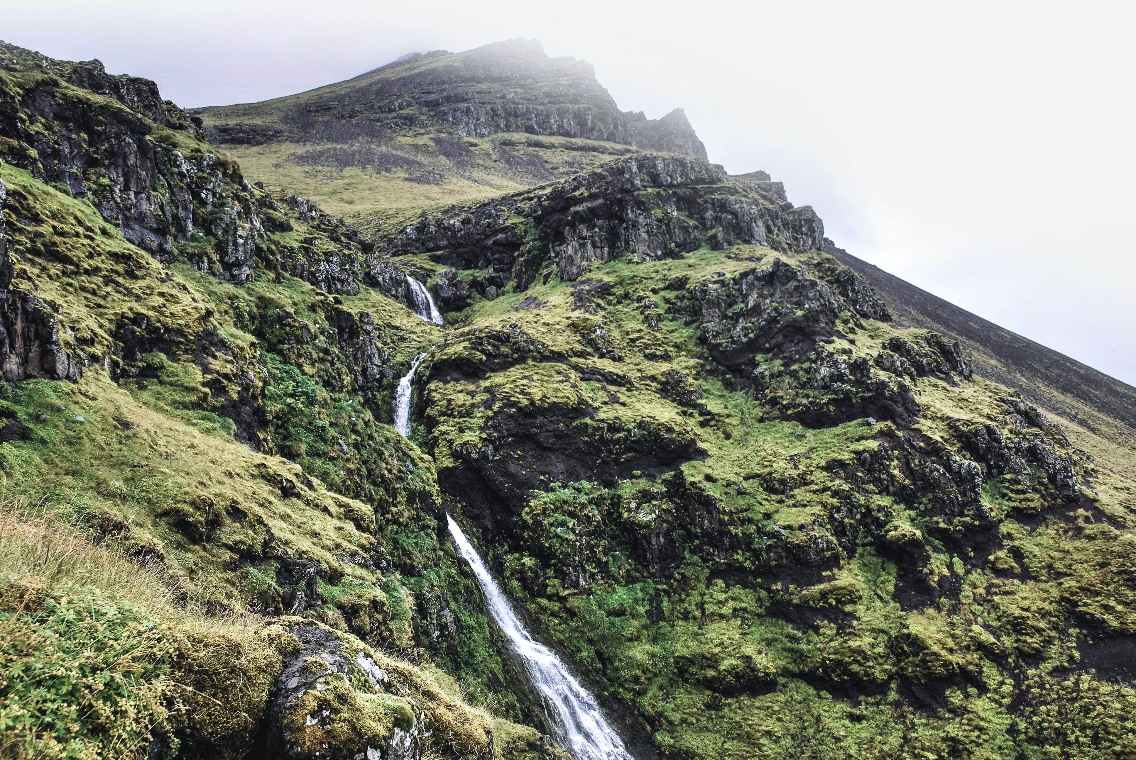 Gratis lagerfoto af bakke, bjerg, bjergtinde, dagslys