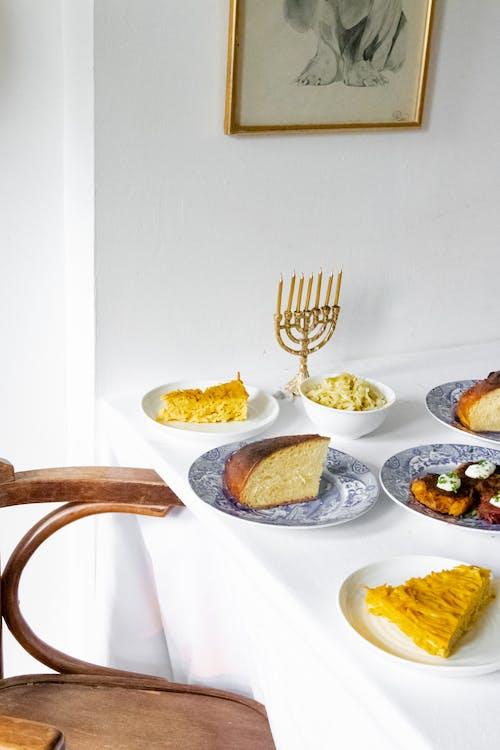 Weiße Keramikplatten Mit Lebensmitteln