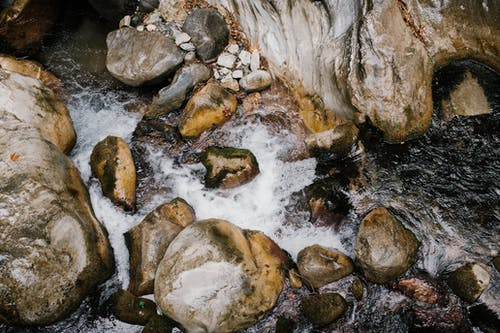 Kostenloses Stock Foto zu abenteuer, ausflug, bach, berg