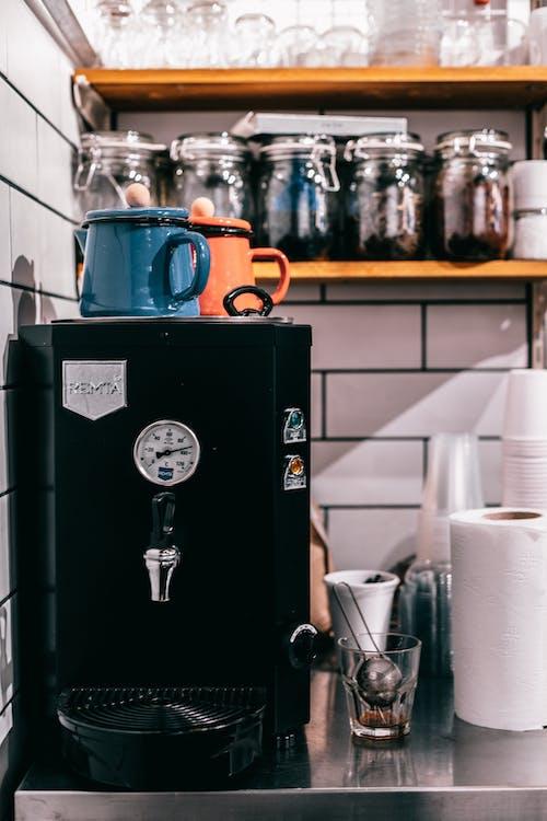 Black tea maker in kitchen