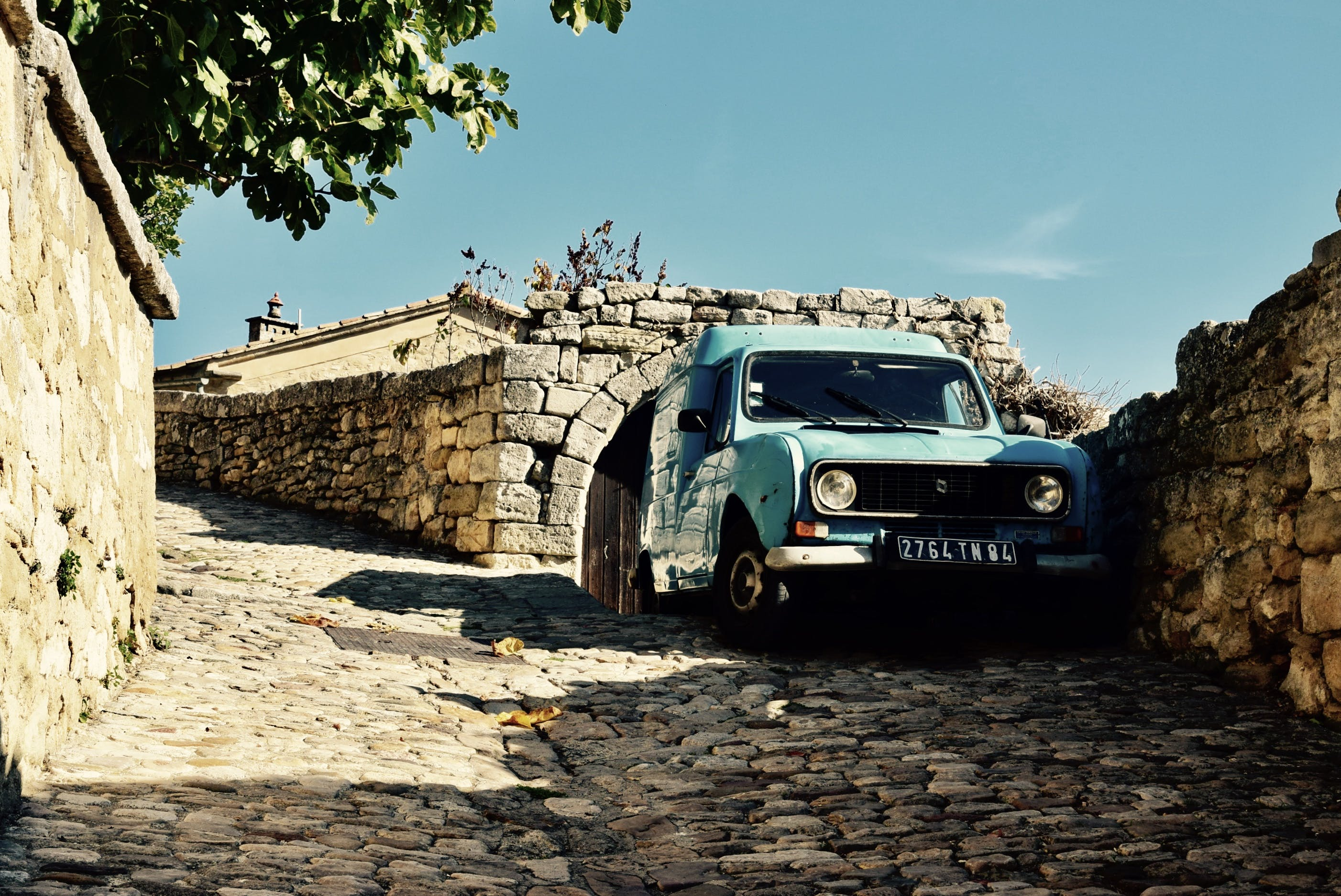 Free stock photo of alley, blue, cobblestones, Lacoste