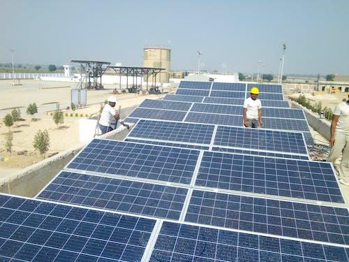 Photos gratuites de développement durable, durabilité, électriciens