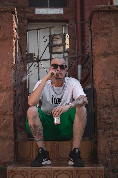 거리, 건물, 그래피티, 남자의 무료 스톡 사진
