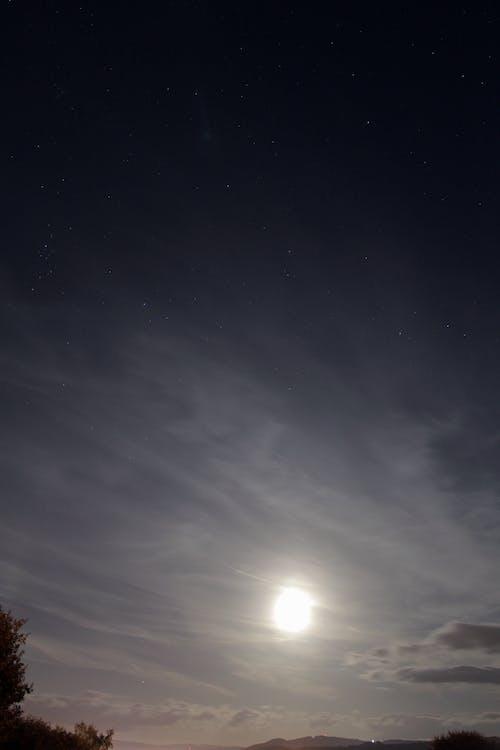 Бесплатное стоковое фото с звезды, луна, лунный свет, небо