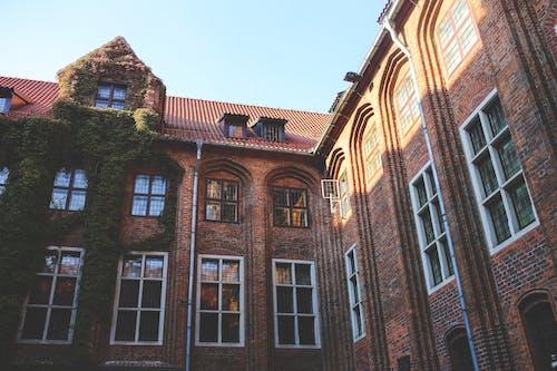 Foto stok gratis Arsitektur, atap, bangunan, bata