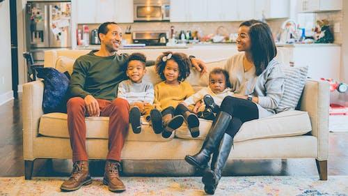 Gratis stockfoto met afrika amerikaans meisje, afro-amerikaans echtpaar, afro-amerikaanse baby