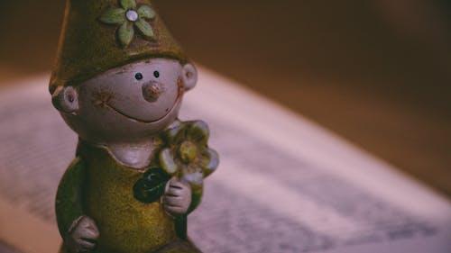 Бесплатное стоковое фото с веселье, девочка, девушка, детская игрушка