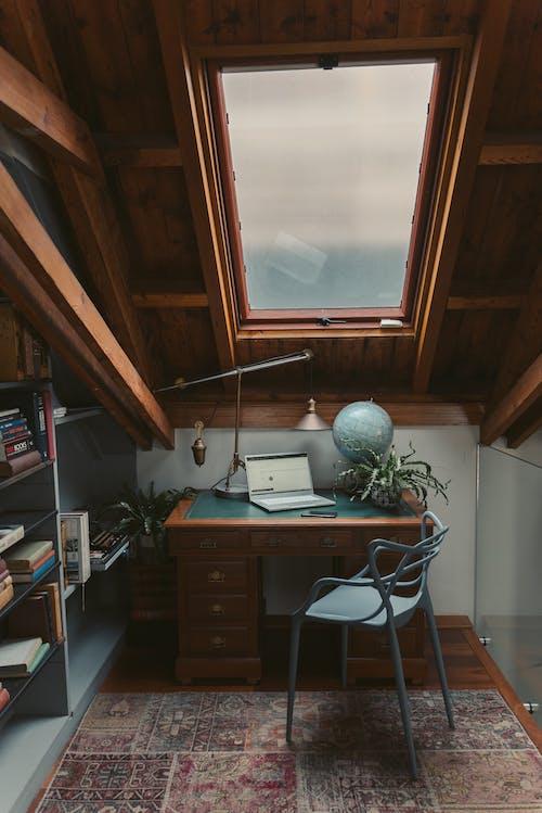 ahşap, çalışma alanı, cam içeren Ücretsiz stok fotoğraf