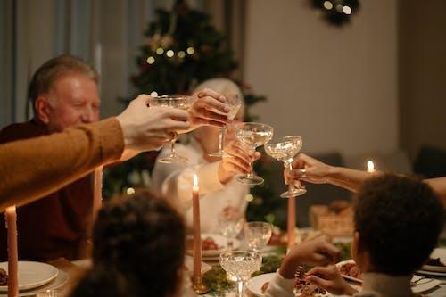 Fotos de stock gratuitas de ambiente navideño, banquete, beber