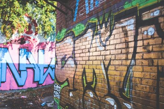 Gold graffiti