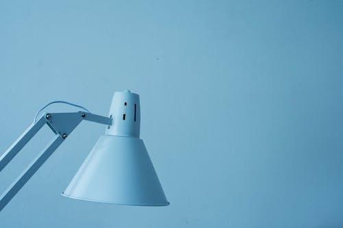 Fotobanka sbezplatnými fotkami na tému biela, lampa, modrá, séria
