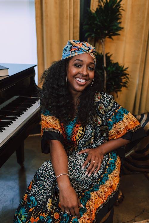 Безкоштовне стокове фото на тему «kwanzaa, афро-американська жінка, вираз обличчя, вродлива»