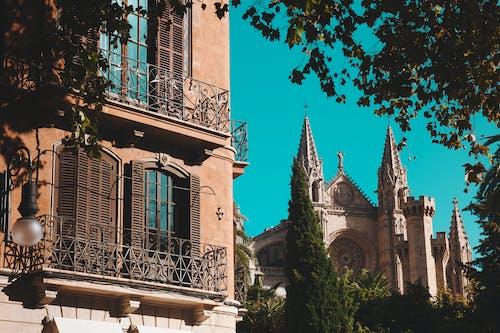 Бесплатное стоковое фото с голубой, город, замок, испания