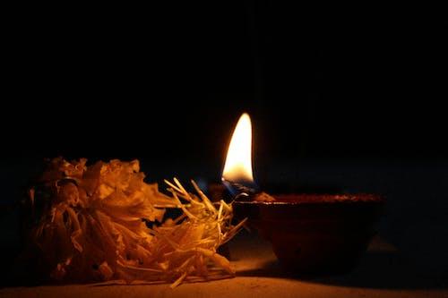 Безкоштовне стокове фото на тему «Індія, дівалі, квітка, лампа»