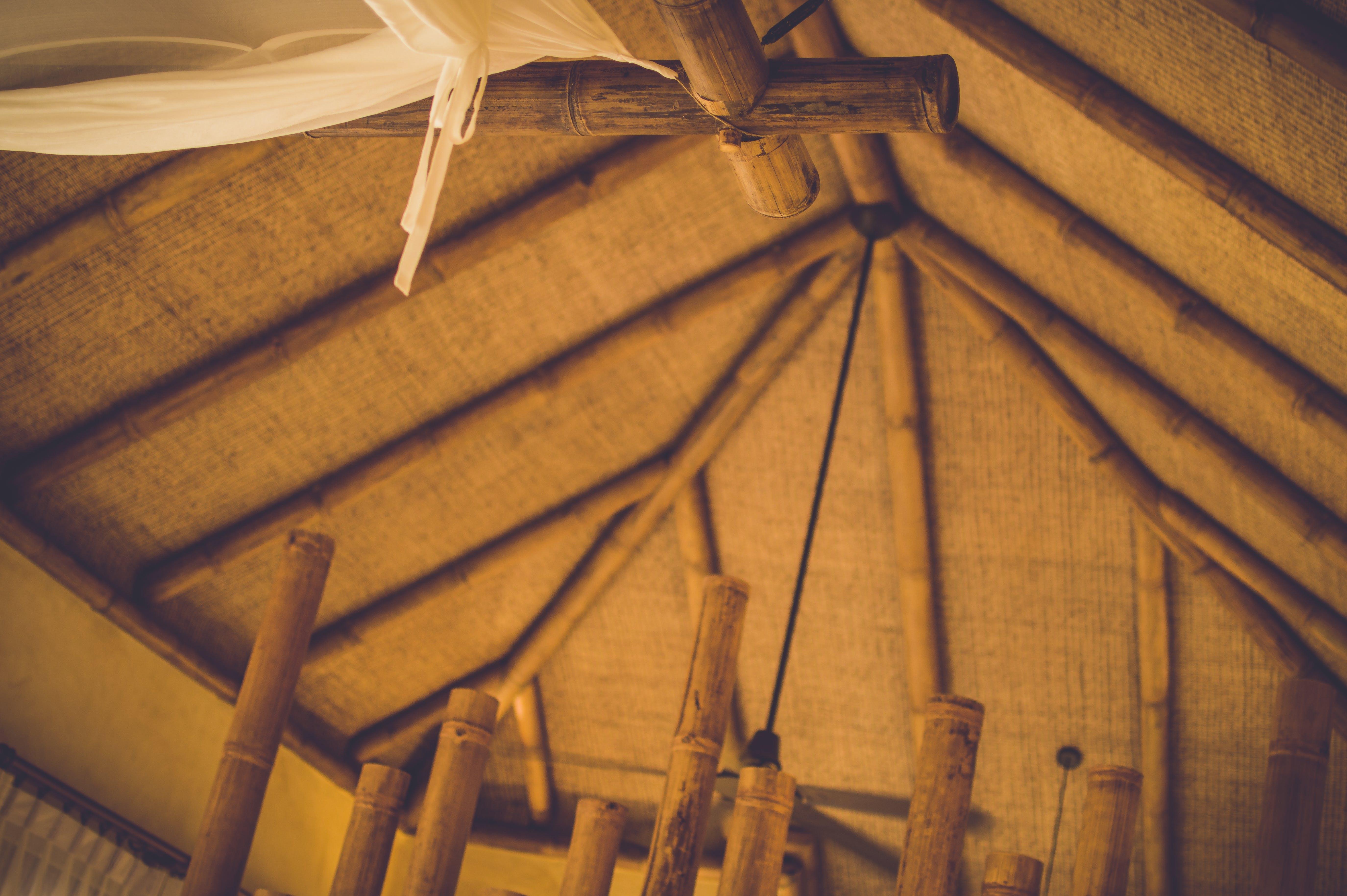 Kostenloses Stock Foto zu dach, decke, rattan