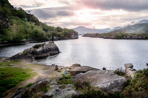 Photos gratuites de beau paysage, côté lac, en marche
