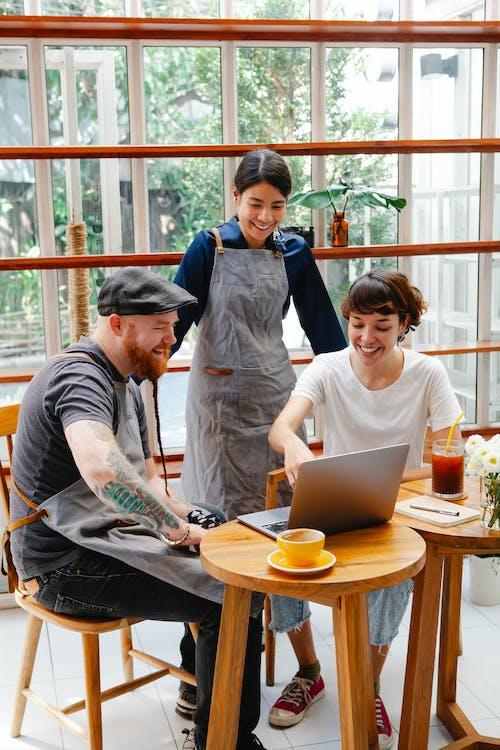 คลังภาพถ่ายฟรี ของ กระจก, กลุ่ม, การทำงานเป็นทีม