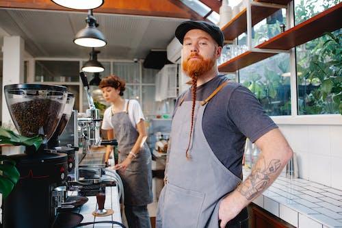 Бесплатное стоковое фото с бариста, Борода, в помещении