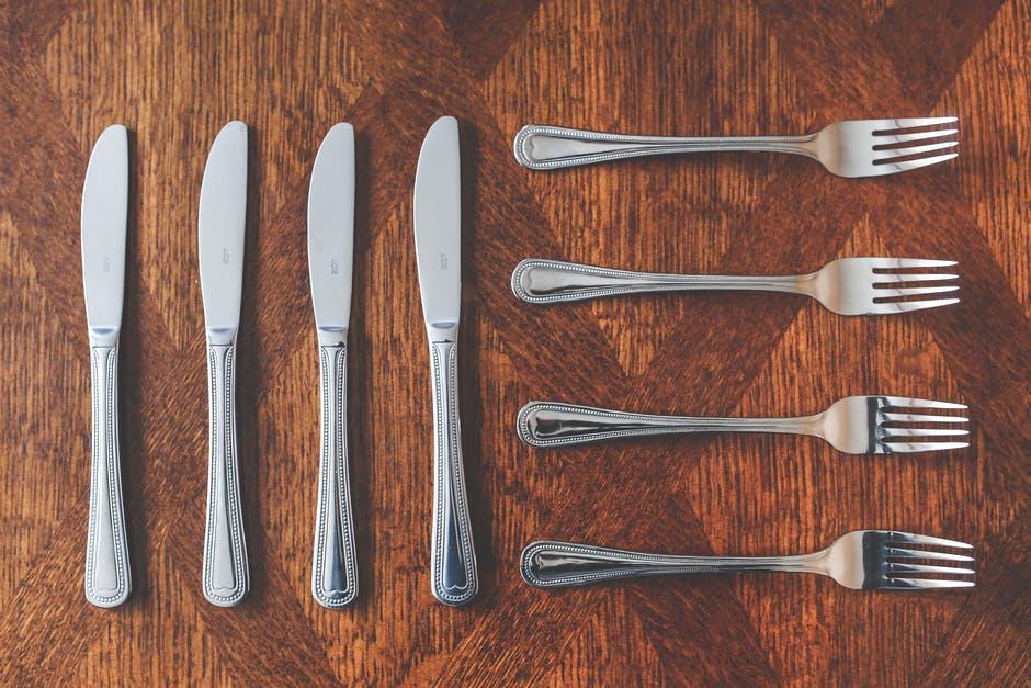 Cutlery knives and forks