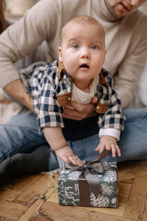 Foto d'estoc gratuïta de adorable, bebè, bufó